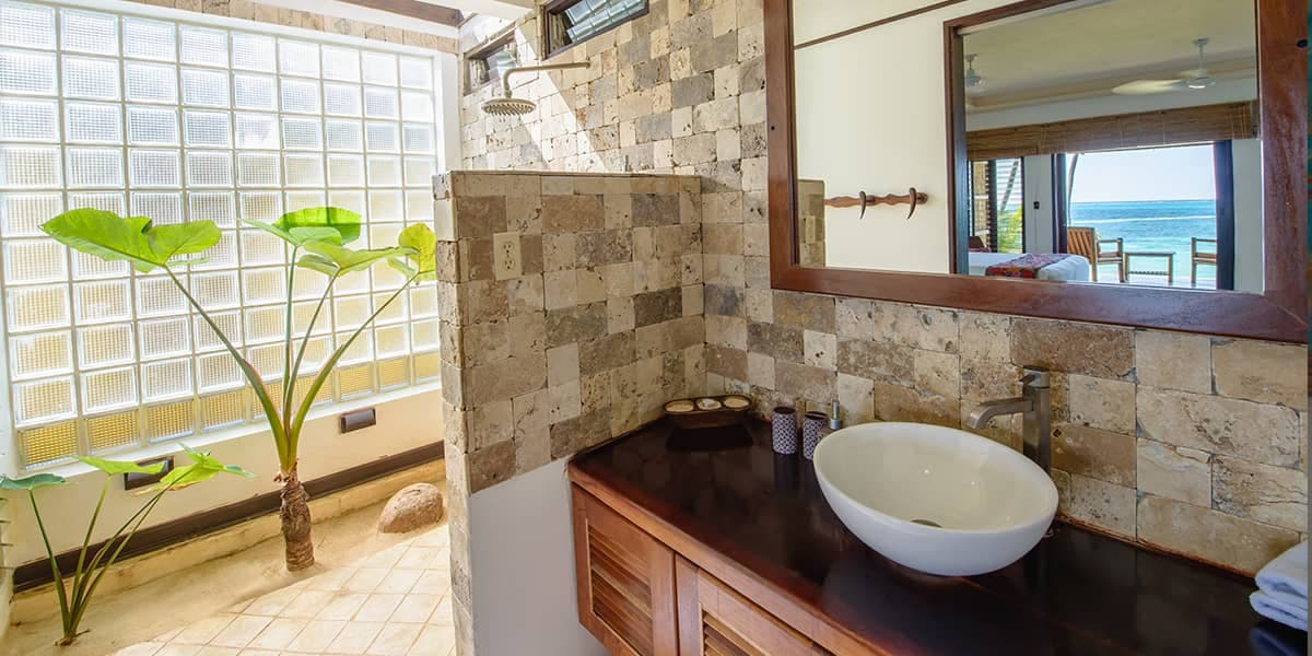 bathroom-yemaya