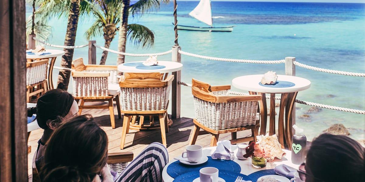 hotel-yemaya-restaurant-fun