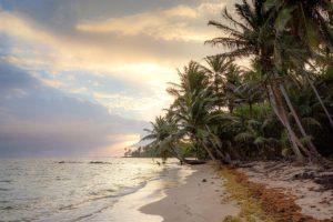 sun-yemaya-little-corn-beach